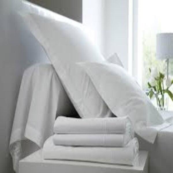 parure de lit blanc